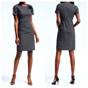 BANANA REPUBLIC Plaid Wool Sheath Dress Short Slv